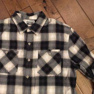 🏀Converse plaid button up flannel size M.